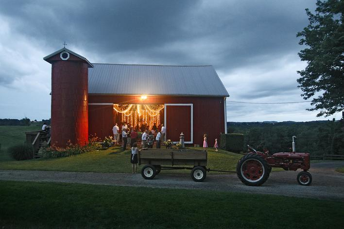Amish farm wedding